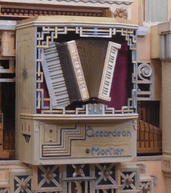 Mortier accordion on Mortier organ #1047